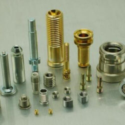 The common polishing method of lathe precision parts processing, the novice needs to learn the attention points